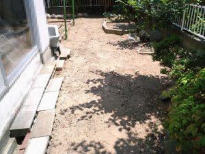 お庭の草引き後